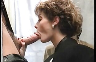 سکسی الهه را دوست دارد طلسم کانال سوپر سکسی تلگرام پا و teases یک دختر با پاهای زیبا